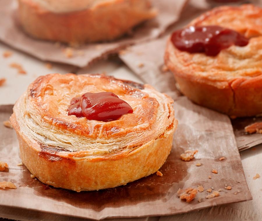 lorenzo-meat-pie-crop-web