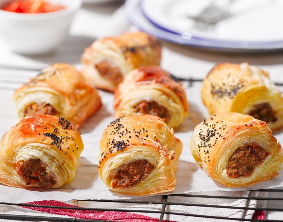 lorenzo-sausage-rollsweb-horiz